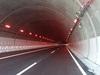 赤色トンネル